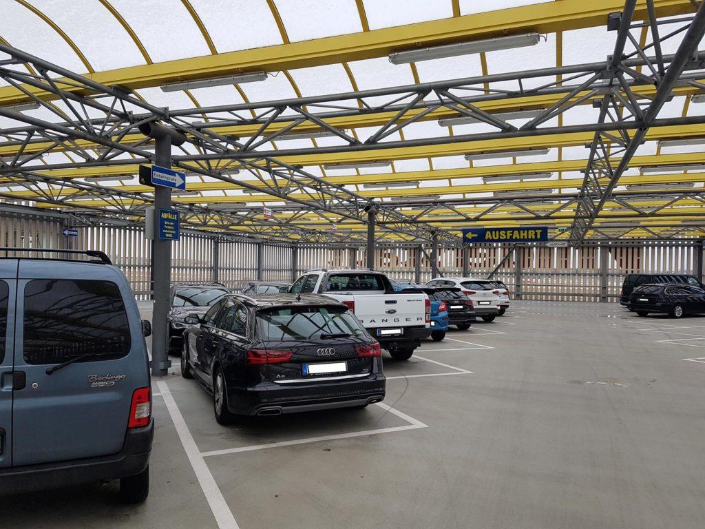 Parken Flughafen Stuttgart - Parkservice Löwe